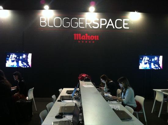 Y los bloggers con Mahou...