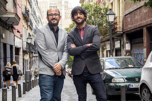 Borja Cobeaga y Diego San José, guionistas de 8 apellidos vascos